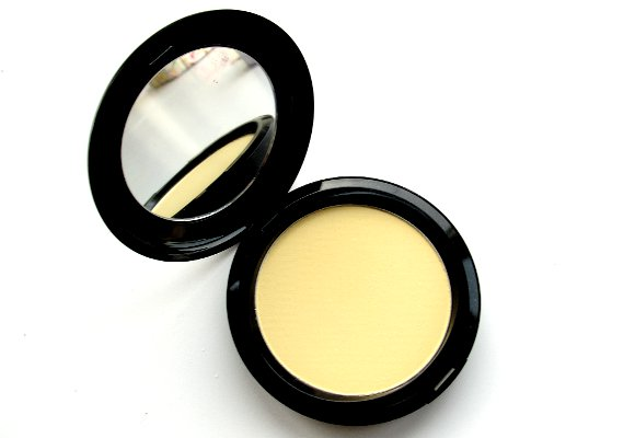 MAC Neutralize Prep and Prime CC pressed powder